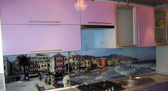 стеновая панель на кухне по диагонали